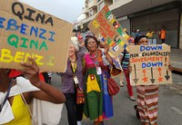 So etwas hat Vereeniging noch nie erlebt – Farbenfroh, laut und kämpferisch demonstrierten Automobiler aus 19 Ländern durch die City