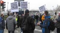 Daimler-Marienfelde: Protest am Werkstor gegen angekündigten Kahlschlag