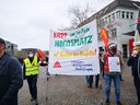 An unsere Kolleginnen und Kollegen im IG-Metall Bezirk Brandenburg-Berlin-Sachsen, die im Kampf um die Angleichung der Arbeitszeit in Ost und West kämpfen